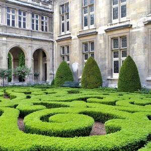 Parterre- courtyard- Musee Carnavalet- Paris